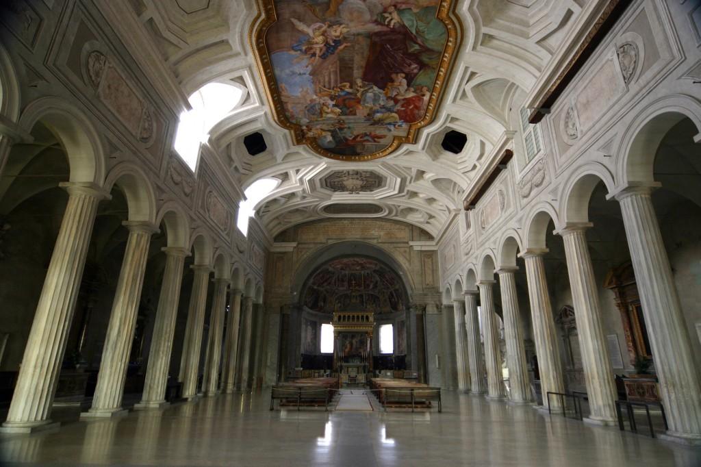 Chiesa San Pietro in Vincoli vicino al biancaluna Bed and Breakfast Roma Stazione Termini