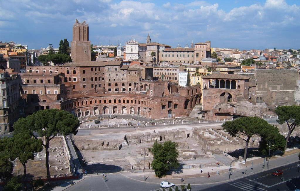 Mercato di Traiano vicino al biancaluna Bed and Breakfast Roma Stazione Termini
