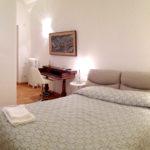 Camera Purmina - Biancaluna Bed and Breakfast vicino Stazione Roma Termini